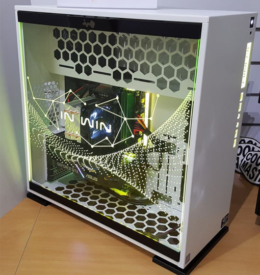 Carbil In Win 303 High-Level Gamer Desktop